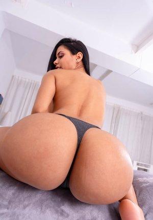 Latina Milf Butt Pics