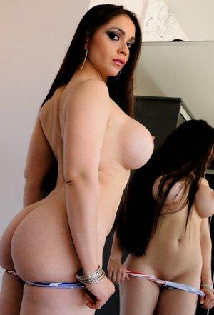 Busty Latina Pics